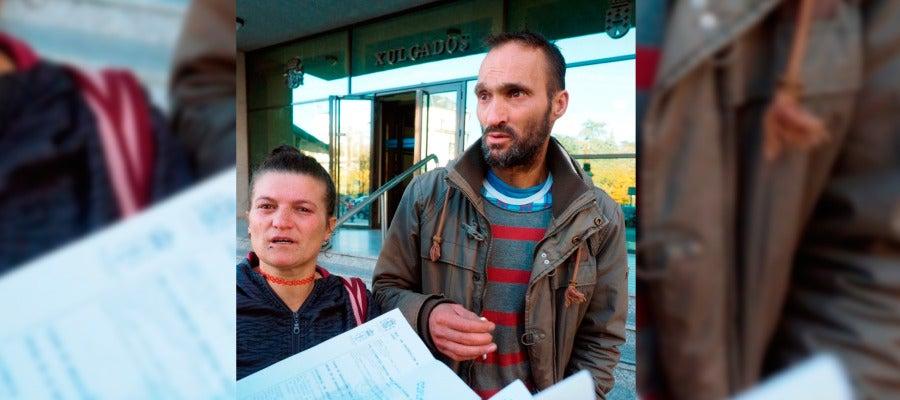 La pareja propietaria, esta mañana a su salida de los juzgados de Lugo, donde la jueza les ha comunicado su decisión.