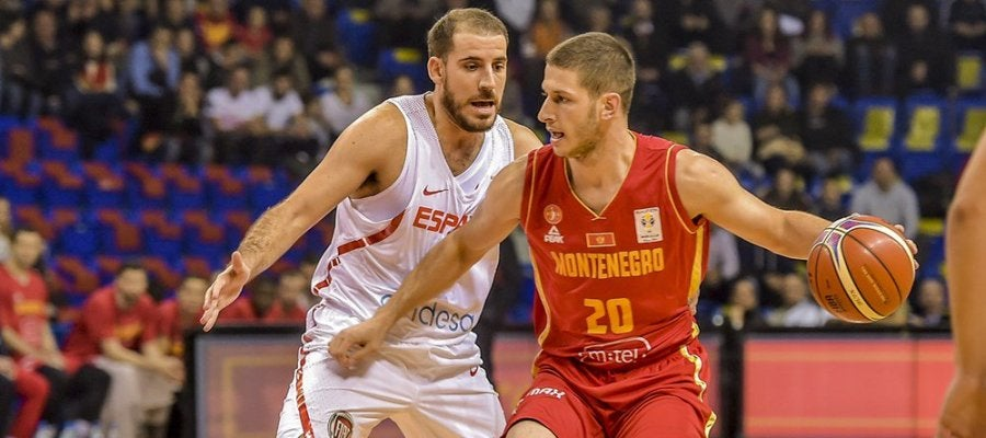España ganó a Montenegro en su debut en la clasificación hacia el Mundial