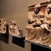 Piezas del Monasterio de Sijena en una sala del Museo de Lleida