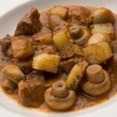 Guiso de ternera con patatas y champiñones
