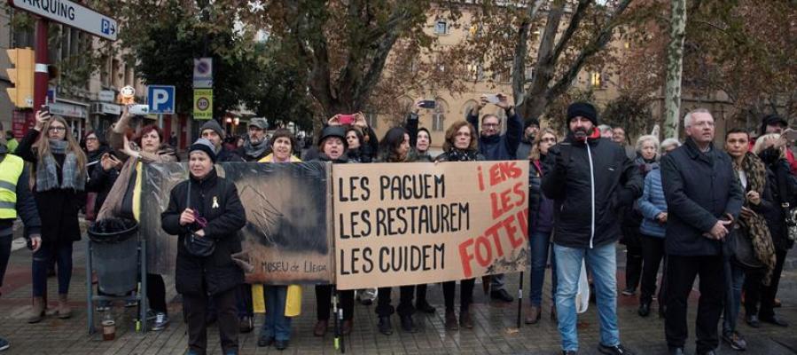 Salen de Lleida los camiones con las obras de Sijena hacia Aragón