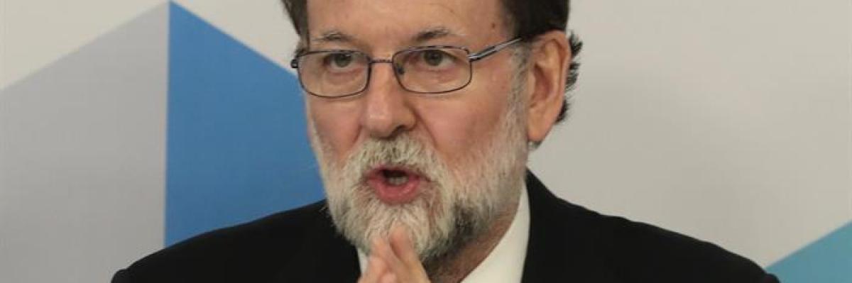 """Rajoy descarta adelantar elecciones y ofrece diálogo """"dentro de la ley"""" al nuevo Govern"""
