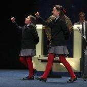 Nazaret Blanco y Yanisse Alexandra, niñas que han cantado el segundo premio y hasta cuatro quintos premios