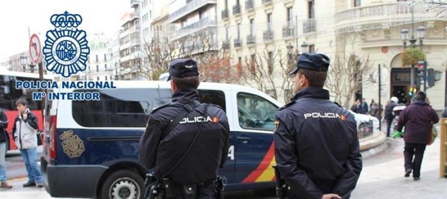 Dos agentes de la Policía Nacional en una imagen de archivo