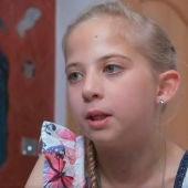 Lucy Groves, la niña con alergia al sol