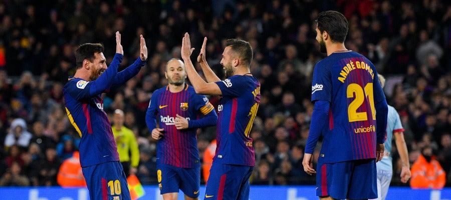 Leo Messi y Jordi Alba celebran un gol ante el Celta de Vigo