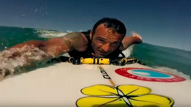 La historia de superación de Nicolás Gallego, que tras quedarse parapléjico, se ha convertido en el campeón del mundo de surf