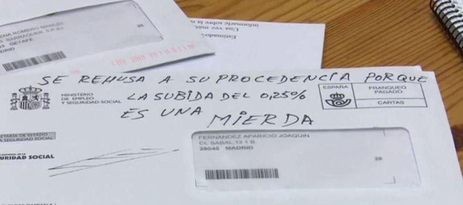 Los pensionistas devuelven sus cartas al Gobierno