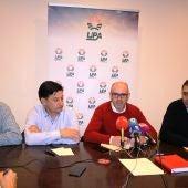 Julián Morcillo con miembros de la ejecutiva provincial del PSOE