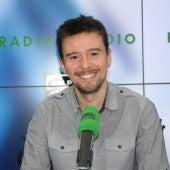 Miguel Venegas, experto en fútbol internacional, en los estudios de Radioestadio.