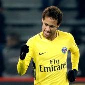 Neymar durante el partido ante el Lille