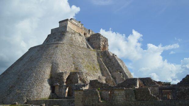 Tertulia Zona Cero: El juego de la pelota en aztecas y mayas