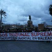 Manifestación en la Plaza de España de Palma contra el juez y el fiscal del 'Caso Cursach', Manuel Penalva y Miguel Ángel Subirán.