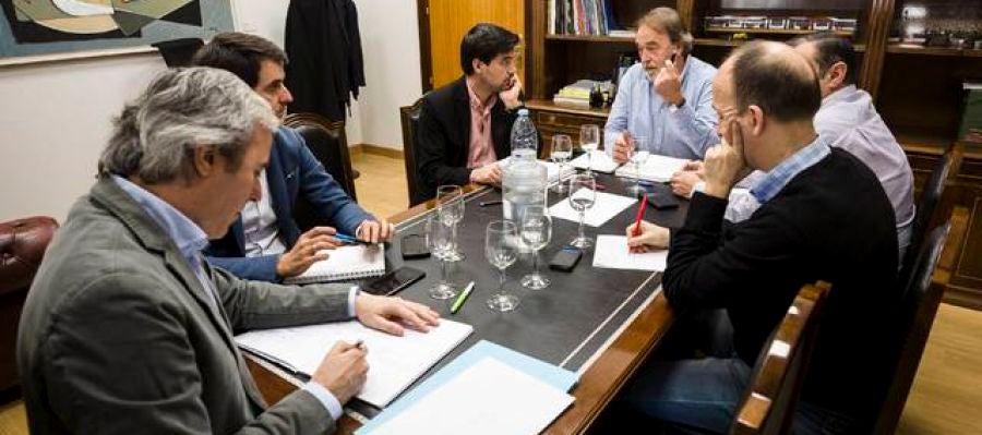 Reunión grupos oposición