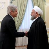 Hasan Rohaní da la bienvenida a Alfonso Dastis a Teherán