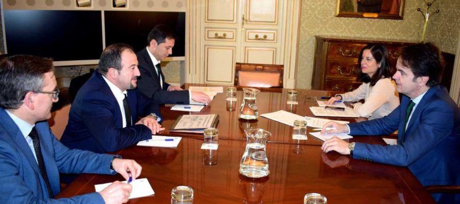 Reunión con el  secretario de Estado para las administraciones