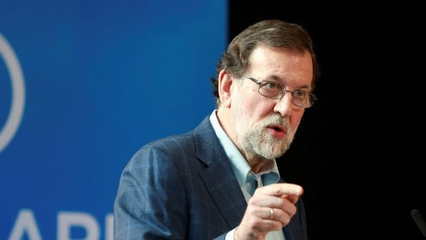 """Rajoy pide volver a la normalidad en Cataluña con un candidato """"ajeno a asuntos judiciales"""""""