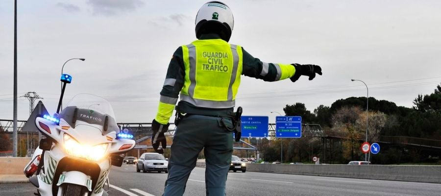 guardia-civil-control-trafico-2017-01