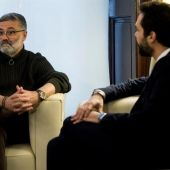 El presidente del Parlament, Roger Torrent junto al diputado de la CUP, Carles Riera