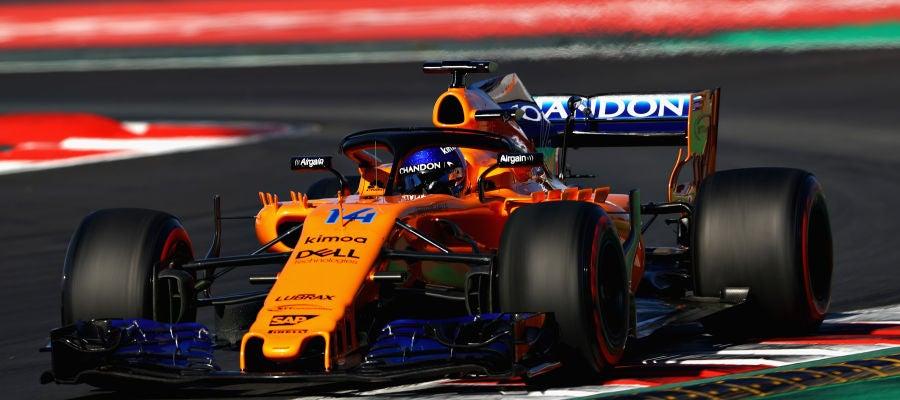Fernando Alonso corre sobre el trazado