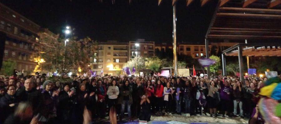 Plaza de la Aparadora de Elche antes de la manifestación del 8 de marzo
