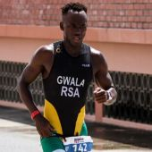 El triatleta Mhlengi Gwala