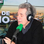 Miguel Ríos en los estudios de Onda Cero