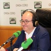 Miquel Iceta en los estudios de Onda Cero Barcelona