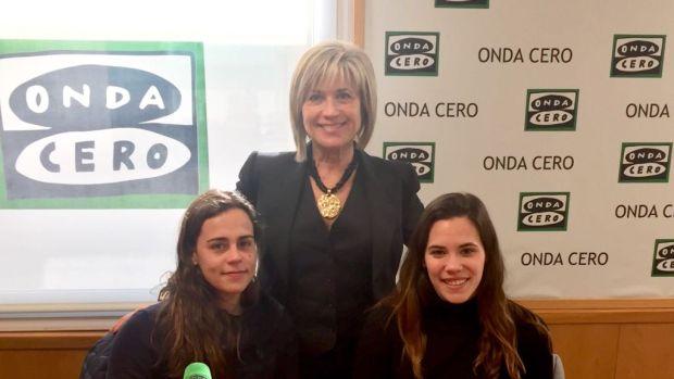 Sociedad Anónima: Olga y Marina, jugadoras de waterpolo del Club de Natación Sabadell