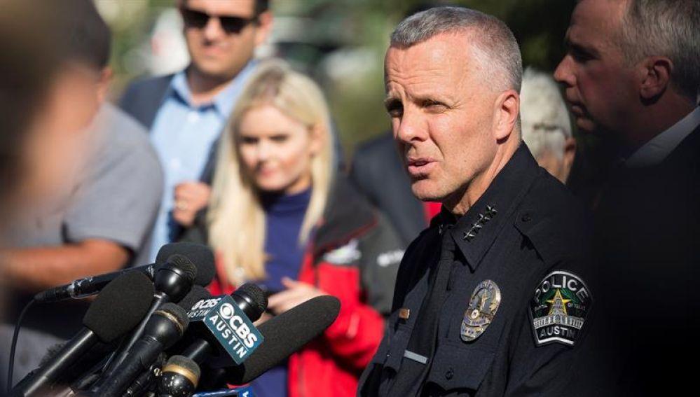 El jefe de Policía de Austin, Brian Manley, se dirige a los medios en Austin, Texas