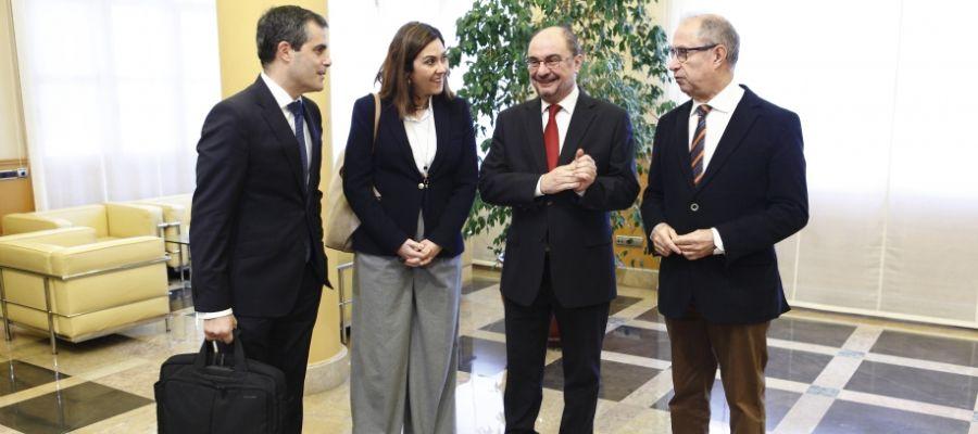 Reunión del presidente Lambán, con la responsable de C's en Aragón, Susana Gaspar, y el diputado de C's, Javier Martínez