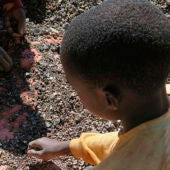 Ziki, uno de los niños que extrae cobalto de las minas de la República Democrática del Congo por un dolar al día