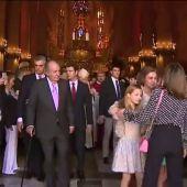 Desencuentro entre la Reina Letizia y la Reina Sofía por una foto durante la misa de Pascua en Palma