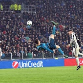 Cristiano Ronaldo marca de chilena ante la Juventus
