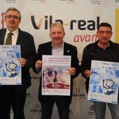 El regidor d'Esports, Javier Serralvo, el president del Club d'Escacs Vila-real, Jorge Romero, i pel president de la Federació d'Escacs de la Comunitat Valenciana, Luis Barona.