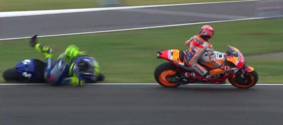 Márquez tira a Rossi en Argentina