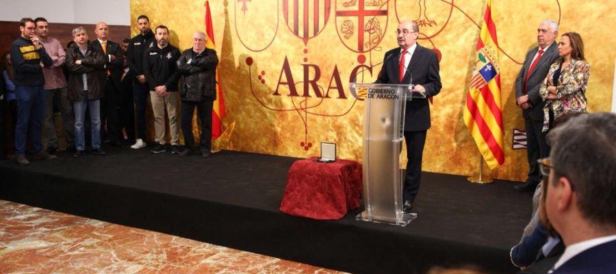 Lambán en los actos de San Jorge en Teruel
