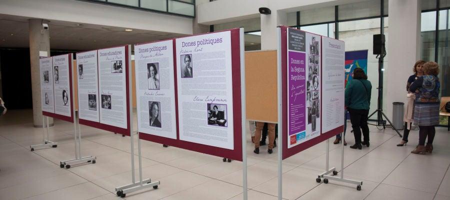 Una muestra de los paneles que puede verse en la exposición.