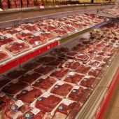 ¿Los poderes públicos deberían intervenir hasta el punto de desincentivar el consumo de carne?