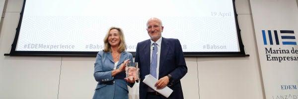 Kerry Healey, presidenta de Babson College, y Juan Roig