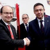 Los presidentes del Sevilla y el FC Barcelona, José Castro y Josep María Bartomeu.