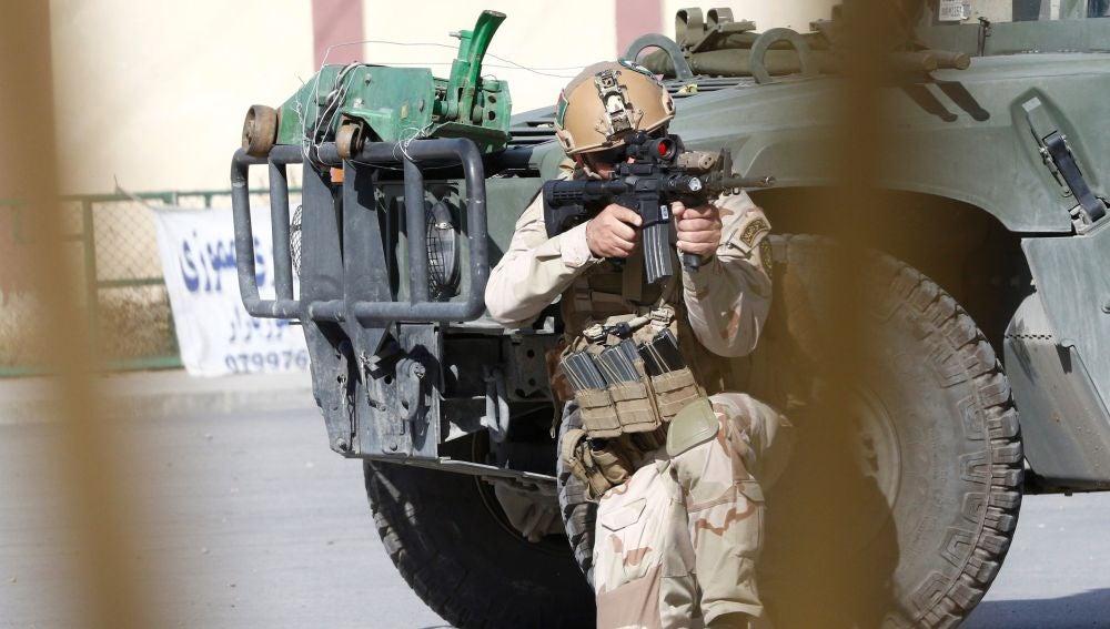 Soldados tras un ataque en Kabul (Afganistán)