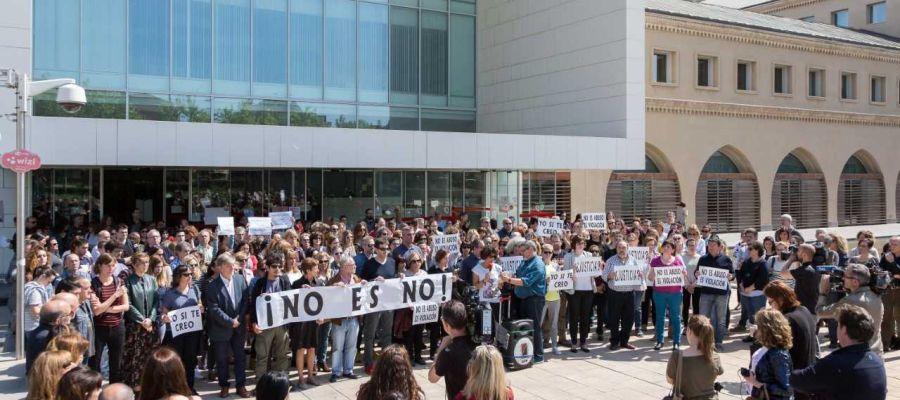 Concentración en Zaragoza contra la sentencia
