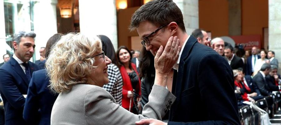 Íñigo Errejón con Manuela Carmena