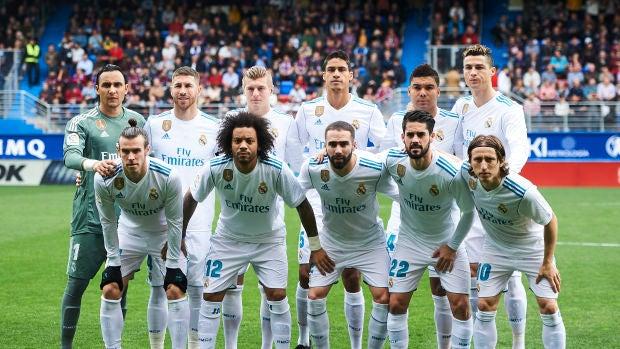 El once del Real Madrid al completo posa antes del partido