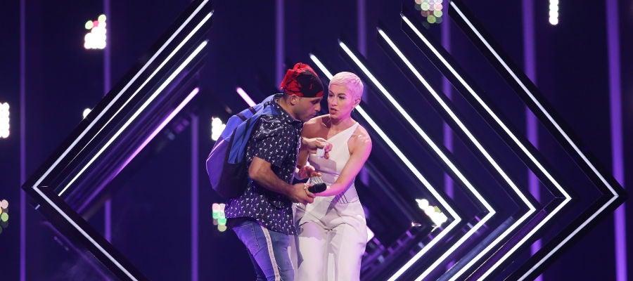 Espontáneo en la actuación de Reino Unido en Eurovisión