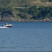 Muere un niño en una barca de recreo tras pasarle por encima una lancha en una playa de Algeciras