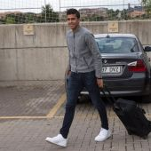Rodri Hernández en su llegada a la concentración de la Selección Española