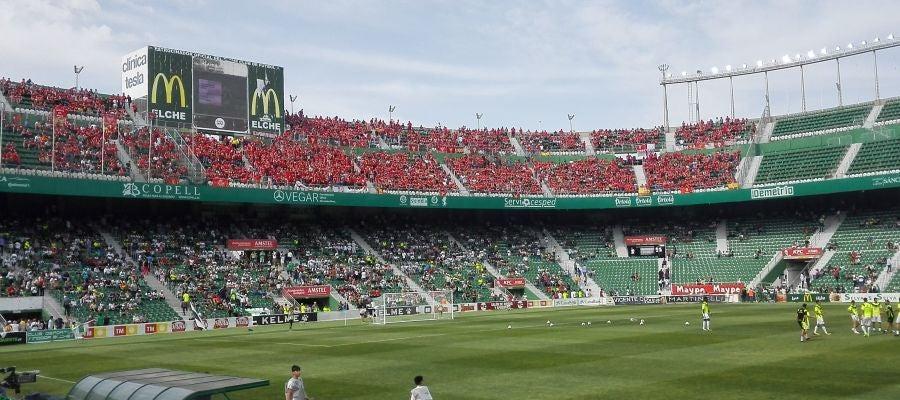 El estadio Martínez Valero registró la mejor entrada de la temporada en el Elche CF-Real Murcia.