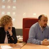 Cristina Tirado y el actual presidente de AJE, Rodrigo Caballero